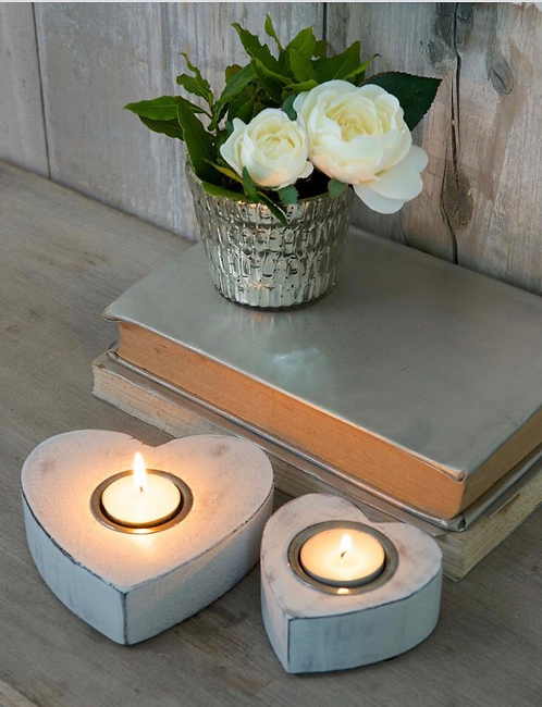 Set of 2 White Wooden Heart Candle Tealight Holders
