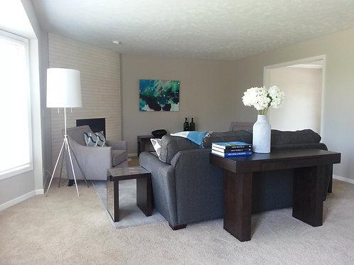 Living Room 17' x 15'