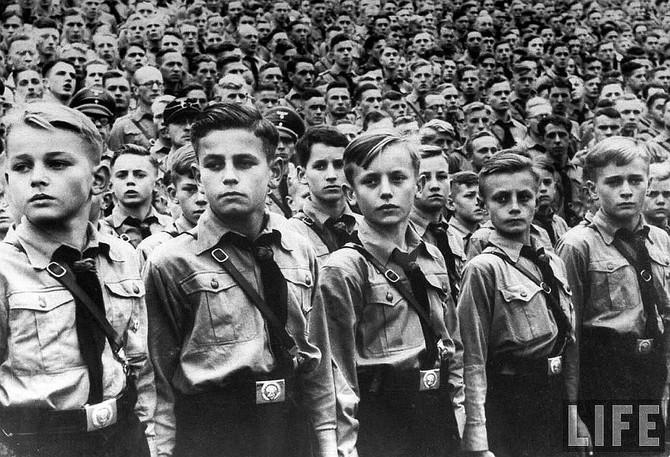 Convivendo com nazistas e fascistas