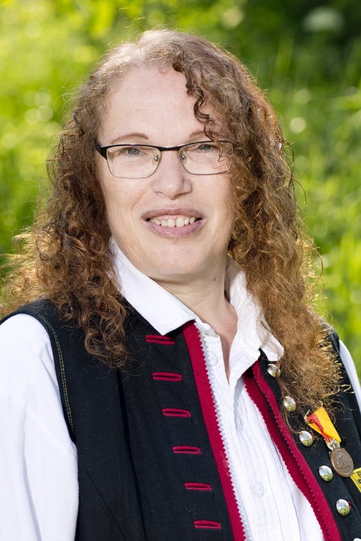 Elisabeth Zala, Saxophon