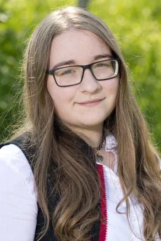 Katrin_Cserny,_Flöte
