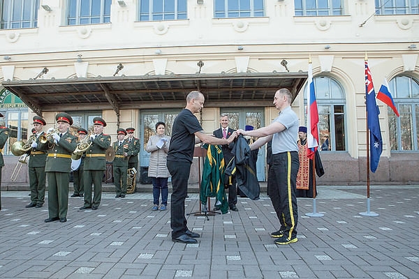 Sifu Gordon to exchange M.A Olympic jackets with Russia's representative