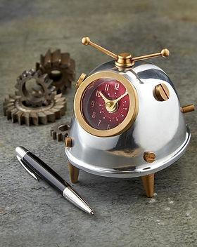 Space_Bug_Clock_Situ_WEB_600x.jpg