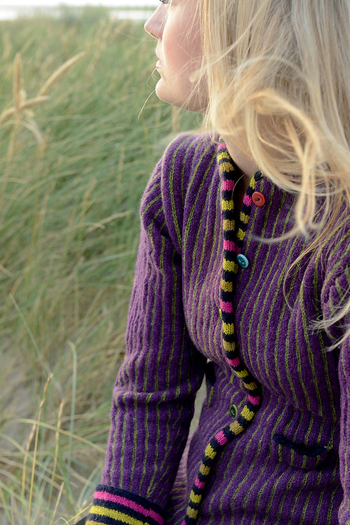 THE WORMDIGGER GIRL'S JACKET, purple