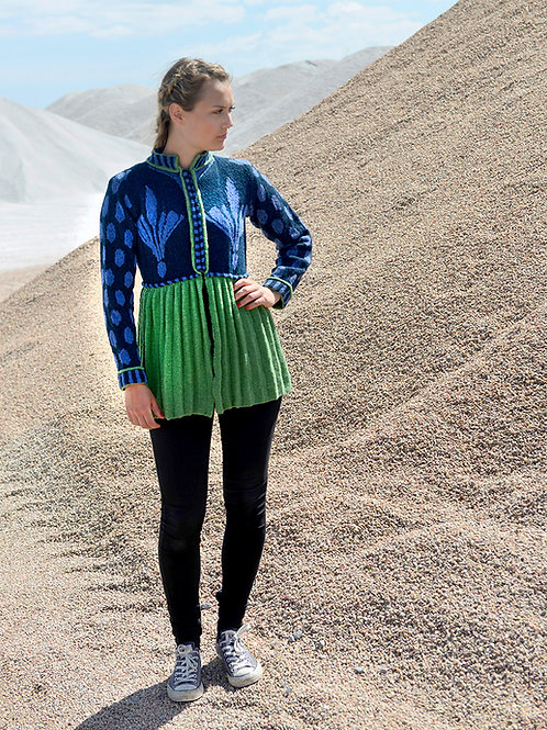THE BRIDEMAID'S PLEATED JACKET, green/blue