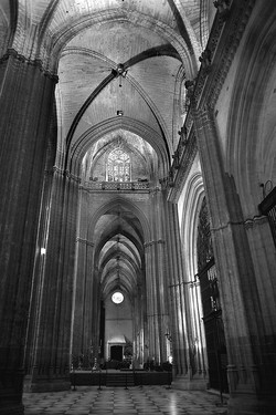 C13 Sevilla Cathedral interior