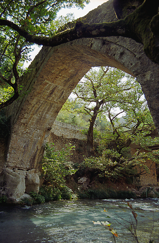 G12 Loúsios River