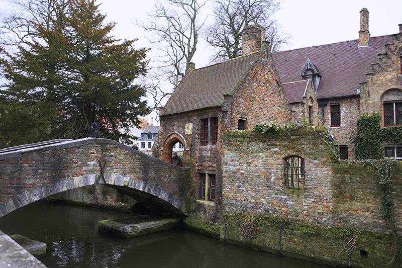 MI14 Bonifatiusbrug, Bruges