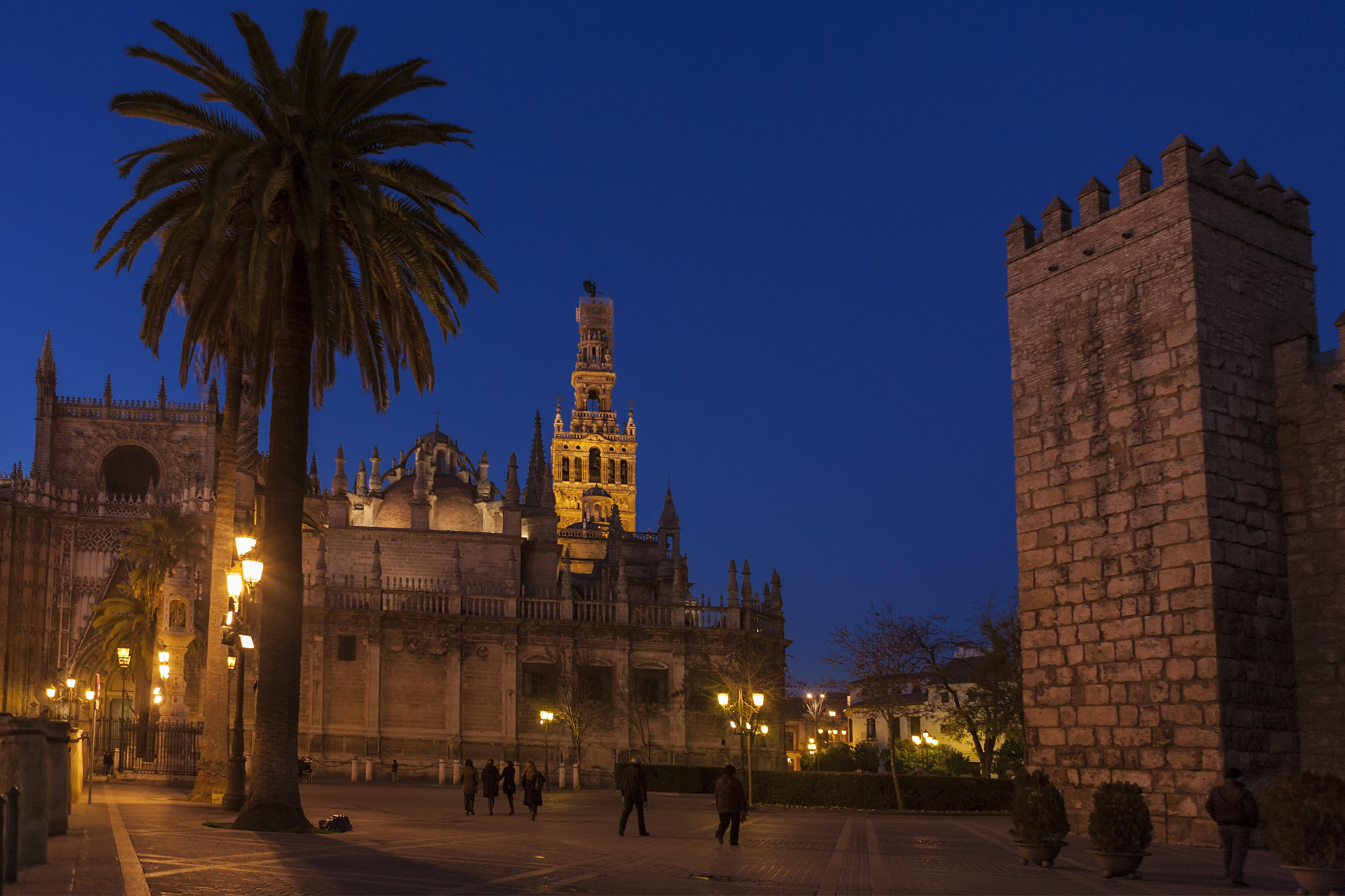 C18 Plaza del Triunfo, Sevilla
