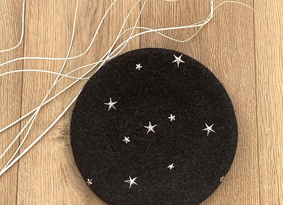 Charcoal-mix Wool Beret with Silver Metal Stars