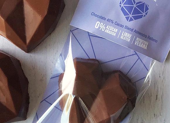 Corazón 45% Cacao Blend Almendra Relleno