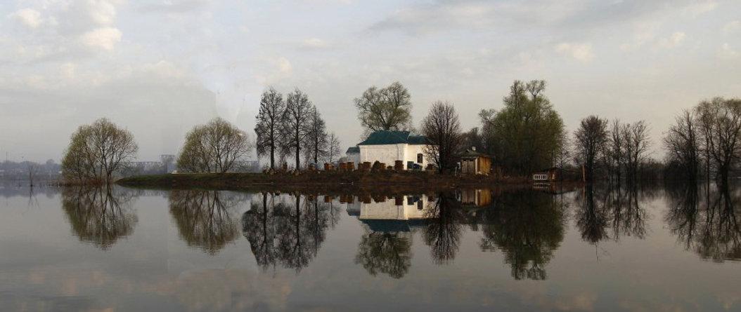 Lakeside town of Pokrov, Russia