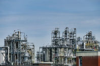 refinery-3613526_1920.jpg