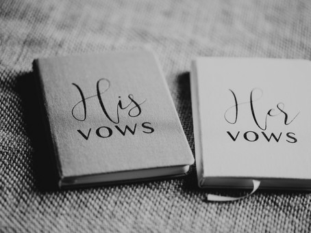 10 Top Tips for writing your wedding vows