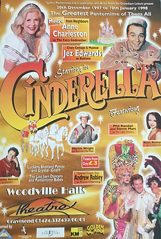 2007 Woodville Halls Gravesend panto.png