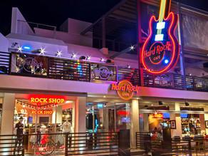 Hard Rock Cafe Ribeirão Preto traz objetos icônicos de artistas em exposição permanente