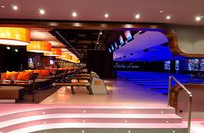 18 Brunwick high designed bowling lanes