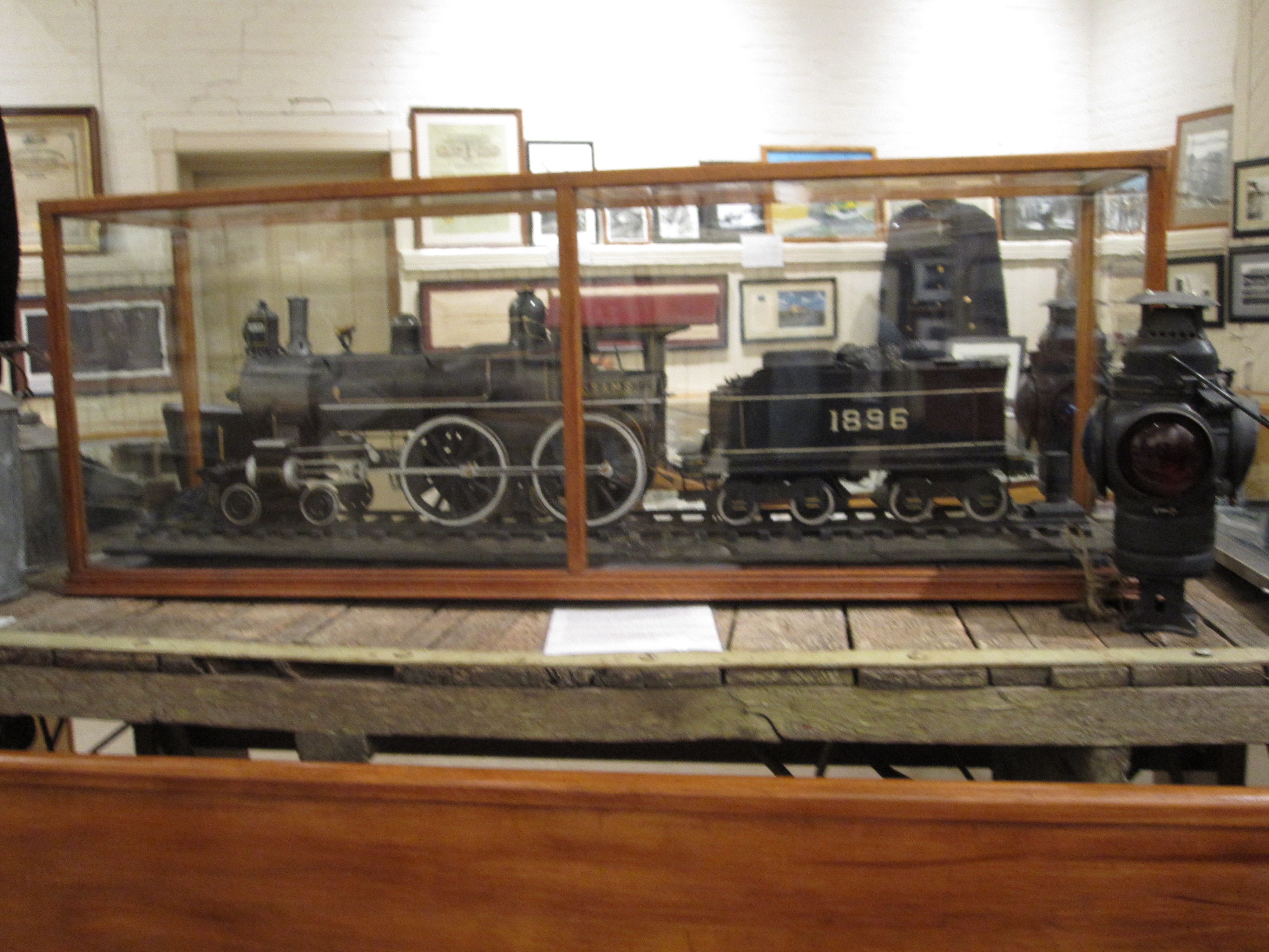 1896 train made by Earl Kimball