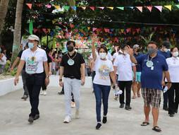 Roque, dinumog sa Cebu, social distancing nalabag