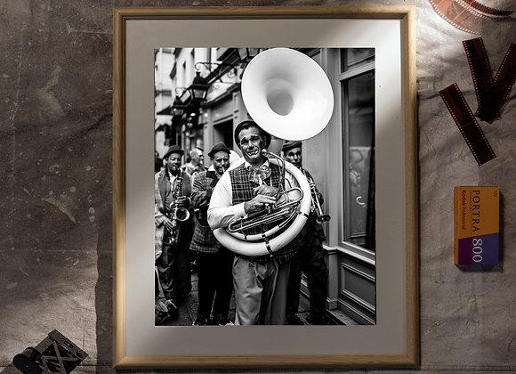 Fanfare de Clowns (20x24 Frame/16x20 Print)