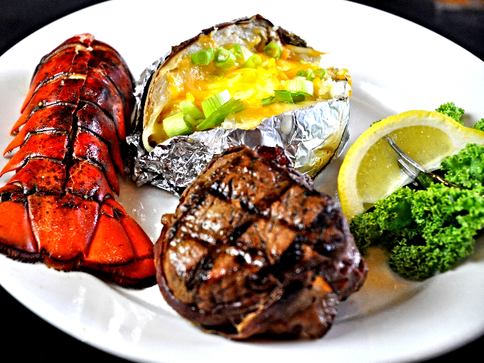 Filet & Small Lobster Tail 3_edited