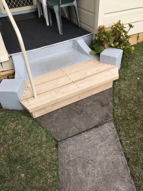 Platform step photo 04