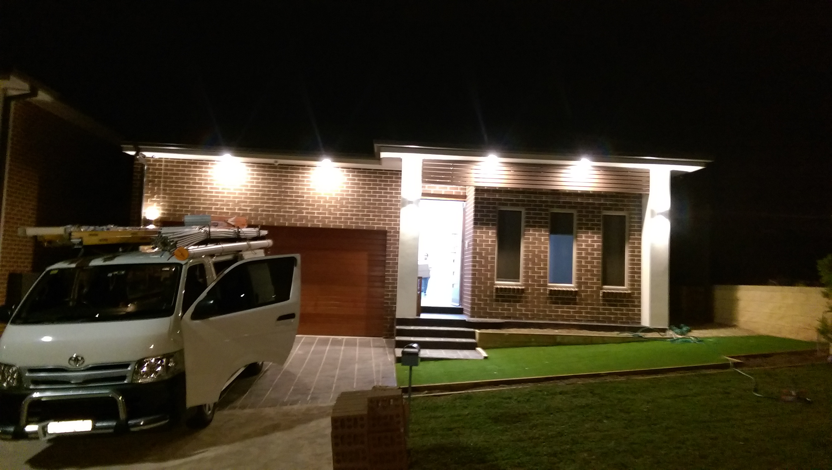LED FRONT OF HOUSE