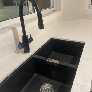 kitchen sink3.jpg