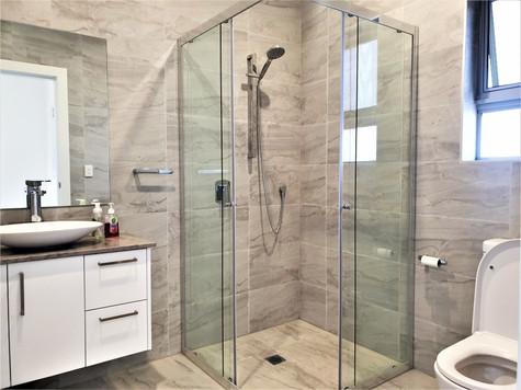 Guilford Duplex- Bathroom.jpg