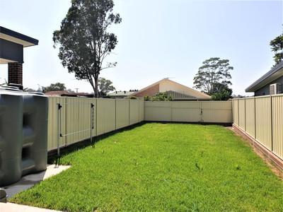 Guilford Duplex- Yard.jpg
