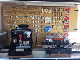 bng locksmiths mobile locksmiths modern key cutting equipment