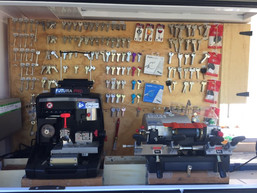bng locksmiths mobile locksmiths modern key cutting equipment