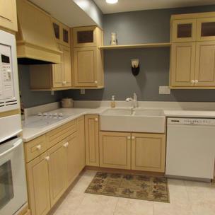 lower level kitchen 2.jpg