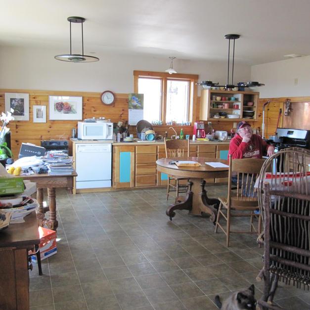 kitchen before different.jpg