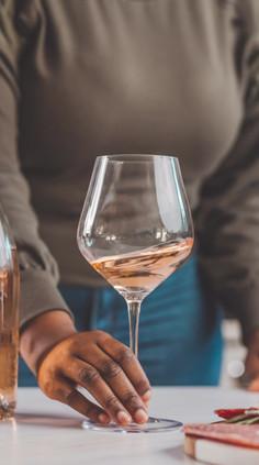 Exquisite White Wine Glasses Gif 1.mp4