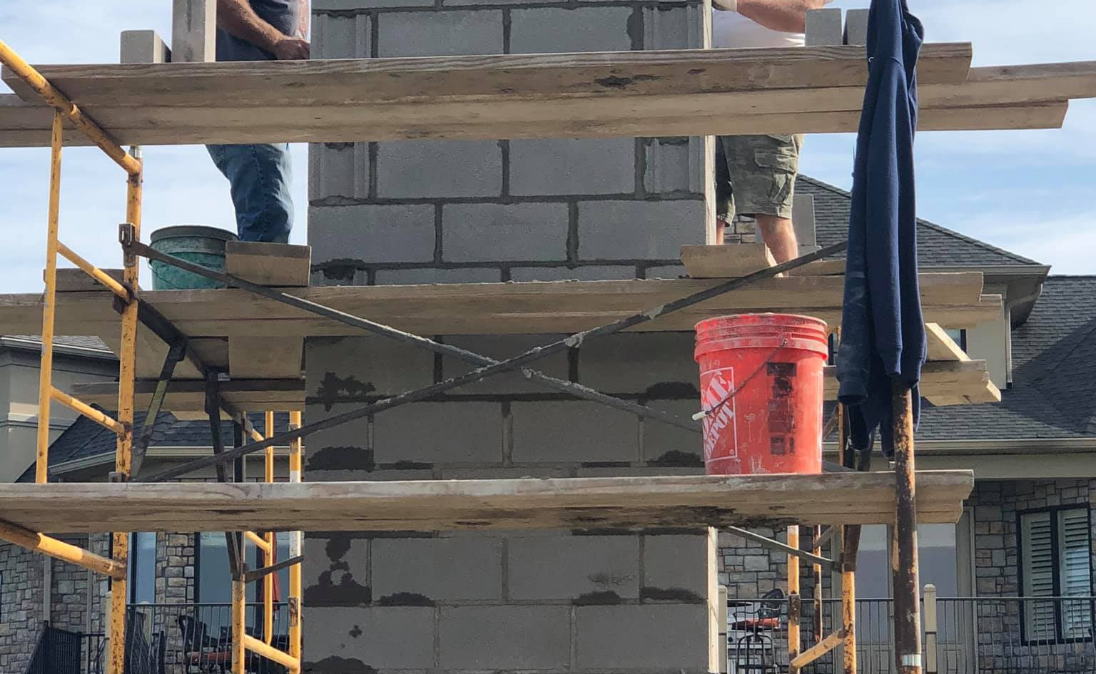 OUTDOOR FIREPLACE CHIMNEY CONSTRUCTION