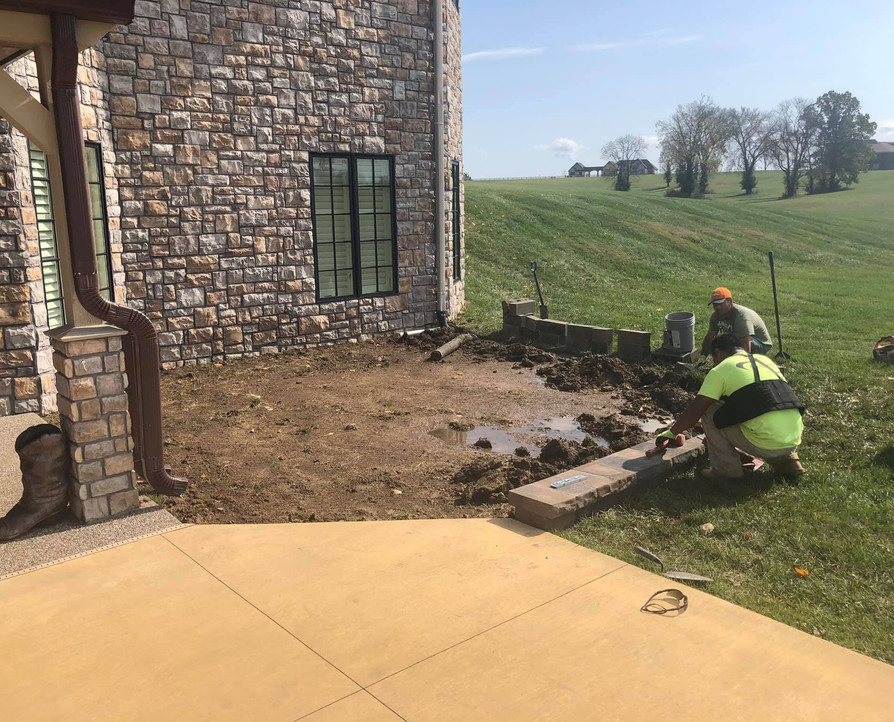 BOARDER WALL AROUND LANDSCAPE BED