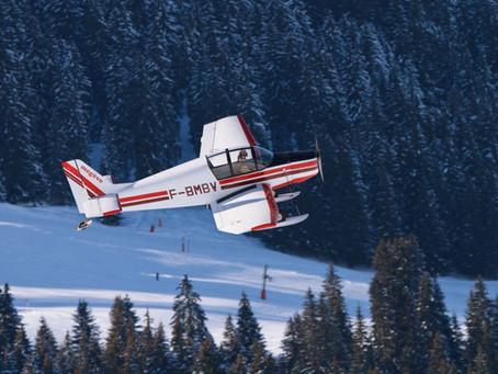 Зима прекрасное время для полетов на самолете!