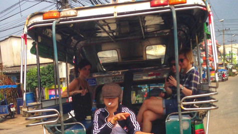 Peter on the baht bus out of Bang Saray with Katia, Sam & Malina.