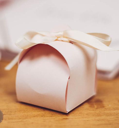 Boîte de dragées rose pâle
