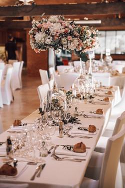 Table d'honneur en fleurs