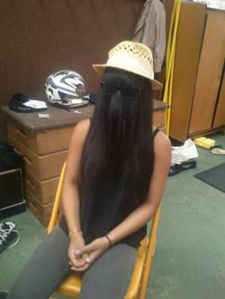 On commence d'abord par la coiffure