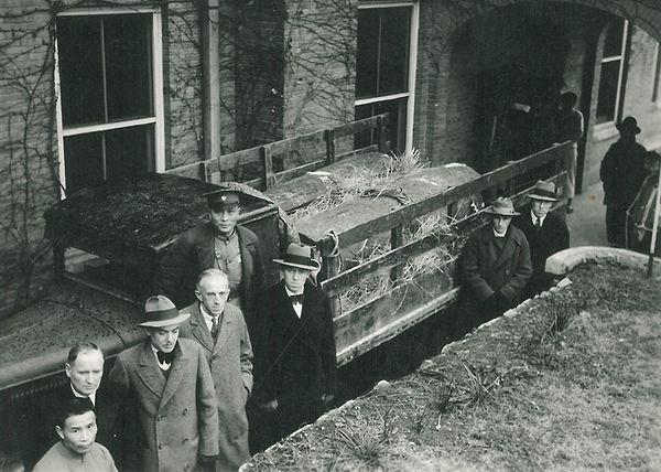John-Betty-Stam-Burial.jpg