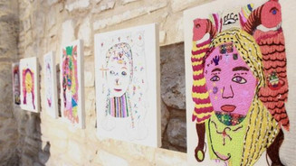 Hilos, colores y rostros: Retratablos