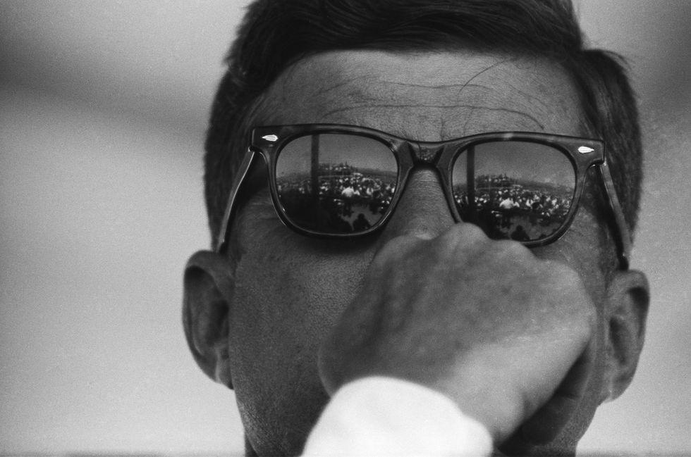 gallery-1426109551-jfk-sunglasses-1960