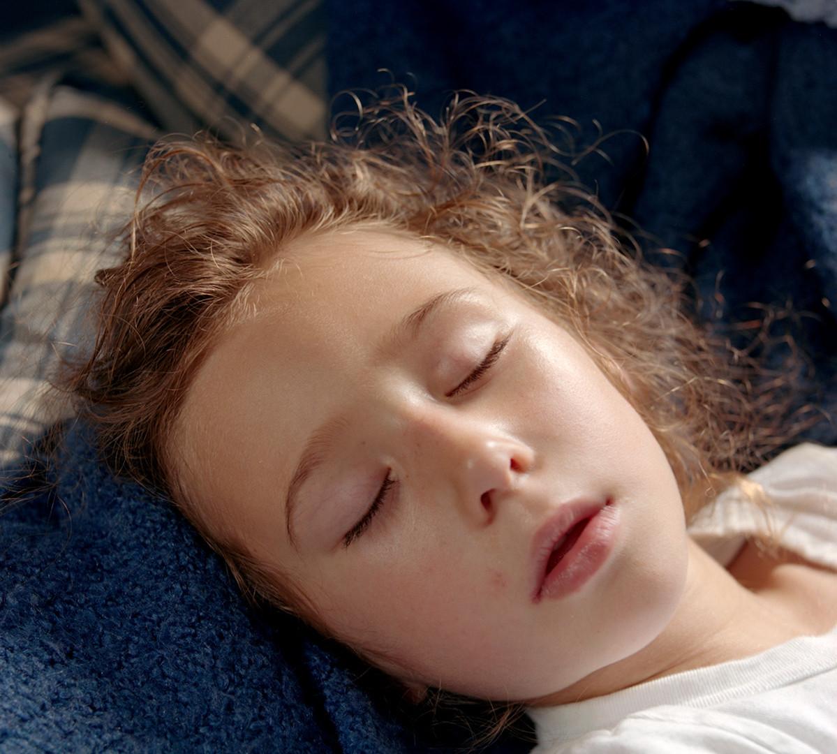 Jocelyn Lee, Untitled (Pearl sleeping), 2007