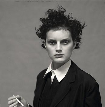 Paolo Roversi, Guinevere with a cigarette, Paris, 1996