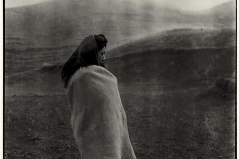 Adou, Woman in Fog, 2006