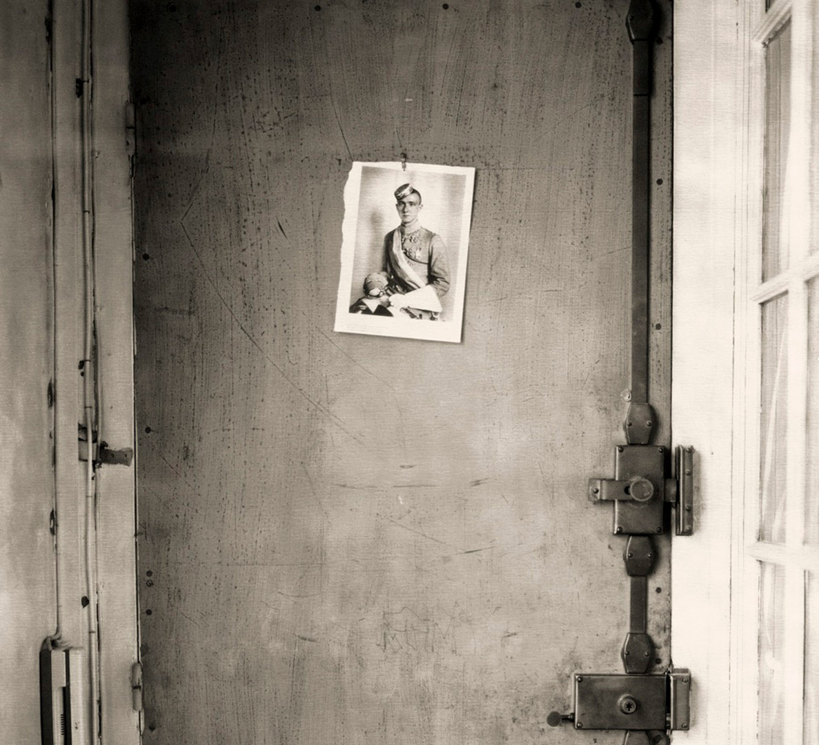 Paolo Roversi, Door, Paris, 2006