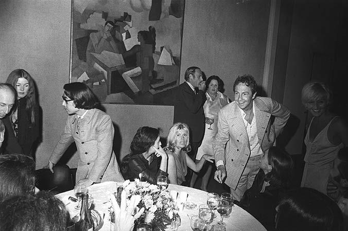Garry Winogrand, Opening, Frank Stella Exhibition, The Museum of Modern Art, New York, 1970